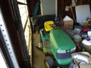 02 John Deere Riding lawn mower - $1200 (crete)