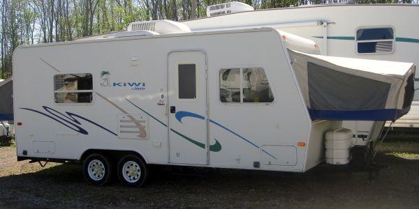 03 21ft Kiwi by Jayco Hybrid Camper Sleeps 7 - $7800