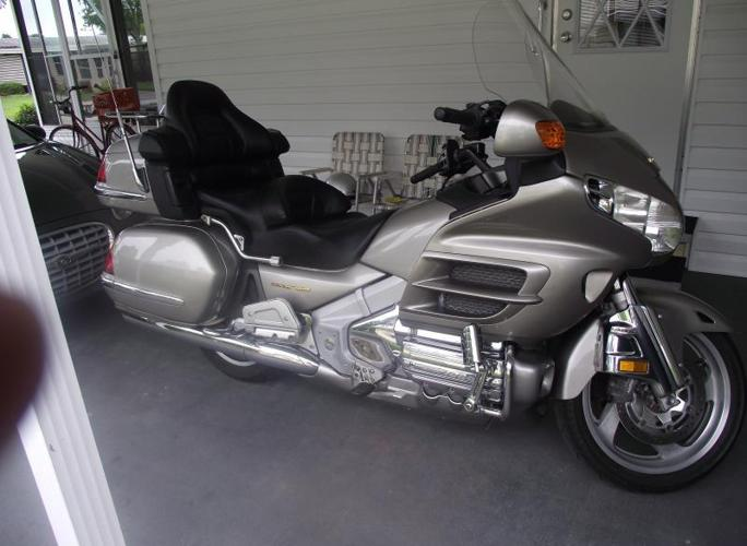 03 Goldwing