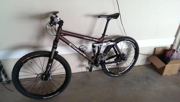 09 Ellsworth Moment Full Suspension Mountain Bike - $1799