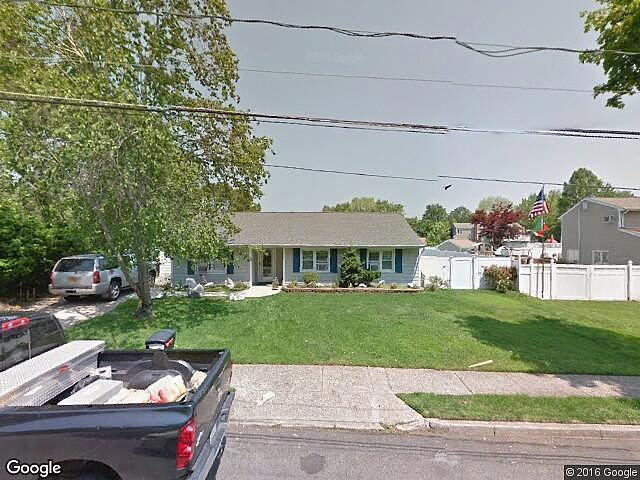 1.00 Bath Single Family Home, Selden NY, 11784
