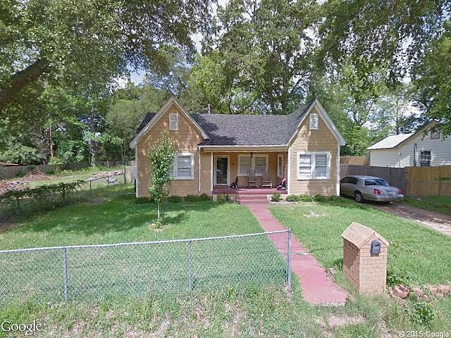 Bath single family home tyler tx 75702 for sale in for American homes tyler tx