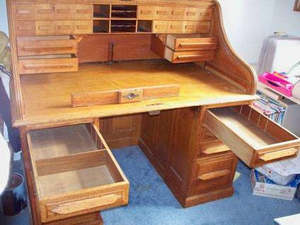 $1,000 Antique Roll Top Desk - Antique Roll Top Desk For Sale In Middle River, Maryland Classified