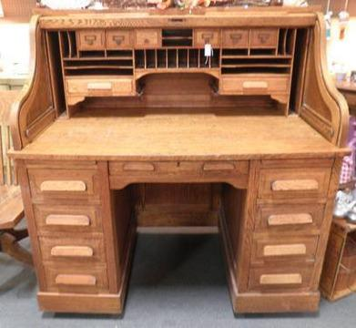 Antique Roll Top Desk with Chair for Sale in Phoenix