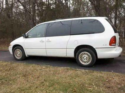 1 500 1997 Chrysler Town Country All Wheel Drive