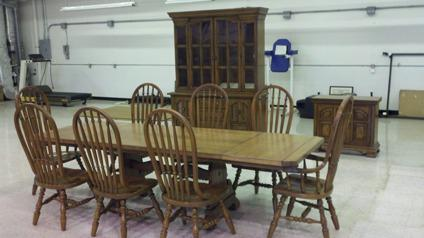 OBO Antique 1971 Thomasville Stone Mill Collection Dining Room Set For Sale