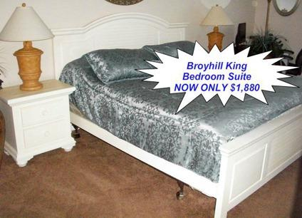 Obo stunning plantation style king bedroom set by broyhill for Plantation style bed