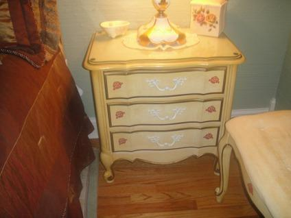 Obo Thomasville Queen Set Bedroom Antique French Provincial For Sale In Elgin Illinois