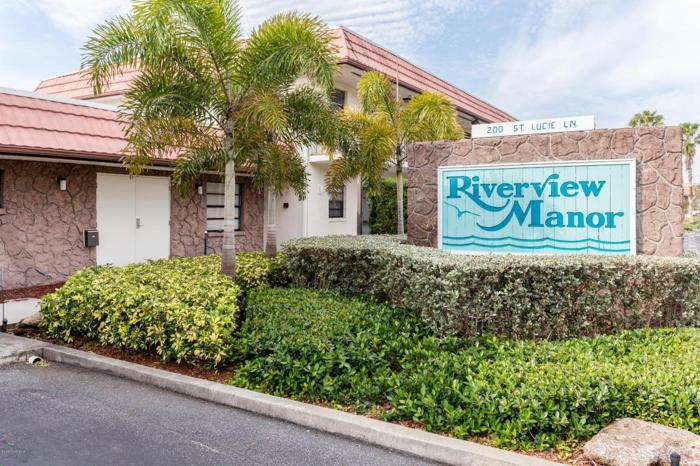 1 Bed 1 Bath Condo 200 SAINT LUCIE LN #507