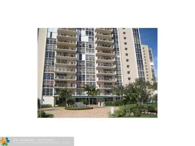 1 Bed 1 Bath Condo 2701 N OCEAN BLVD #3F