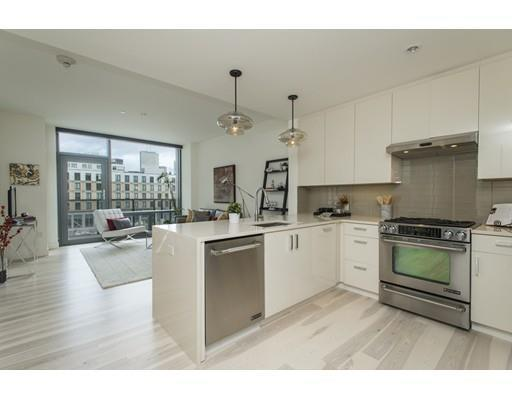 1 Bed 1 Bath Condo 32 TRAVELER ST #413