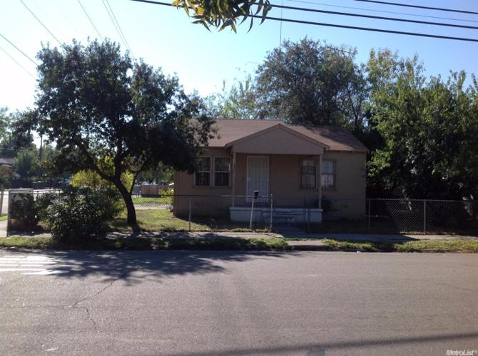 1 Bed 1 Bath House 1346 E SONORA ST
