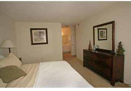 1 Bed - Park Avenue & Beverly Plaza Apartments