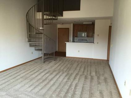 1 Bedroom 1 Bath Plus Loft Apartment For Rent For Rent In Milwaukee Wisconsin Classified
