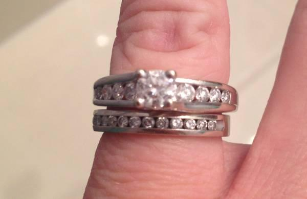 1 CTW 14K White Gold Wedding Set - $1200