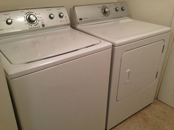 1 Year Old Whirlpool Washer And Dryer Set For Sale In