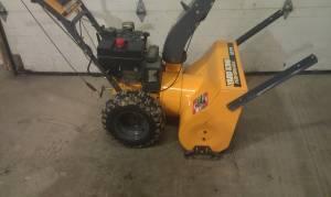 10 Horsepower Snowblower Electric Start Yard King
