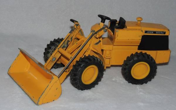 10 long John Deere ertl metal yellow loader  503 - 7011  - $40