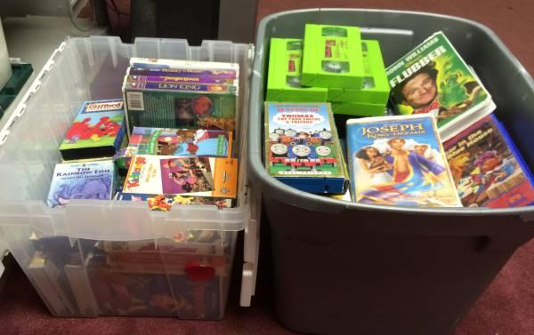 100 Kids Family Friendly Vhs Tapes 5 Music Cds For Sale In Streetsboro Ohio Classified