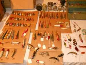 100 PLUS VINTAGE Wood lures/vintage reels/metal takle