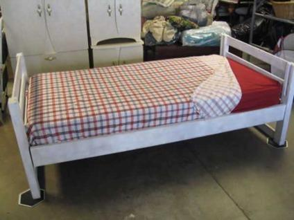 Twin Bed Set H B F B Rails With Mattress And Bunky Board