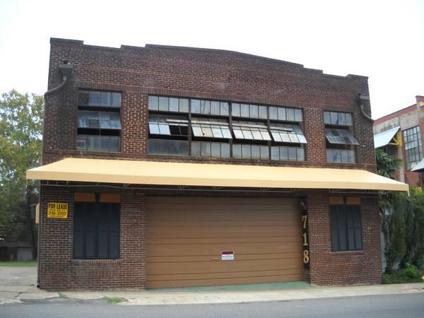 $1000 / 1600ft² - Downtown Warehouse/Storage Space