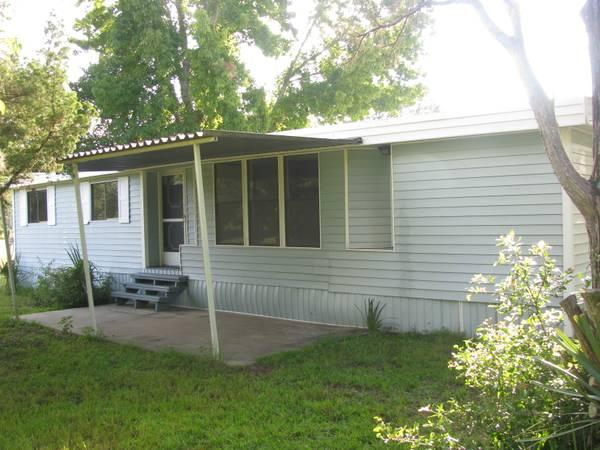 - $1000 / 3br - 1300ft² - Remodeled 3Bedroom