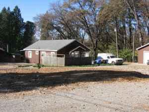 $100000 / 2br - 1040ft² - 1945 railroad tie house with 2 car garage   (Paradise )