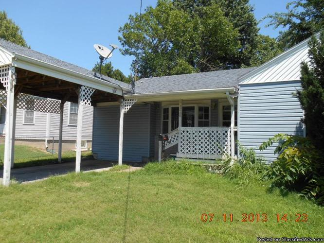 1068 Four Bedroom House With Detached Garage Carport And
