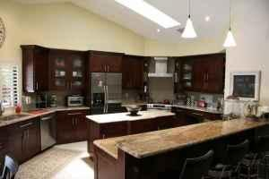10 feet of quality kitchen cabinets uppers and lowers