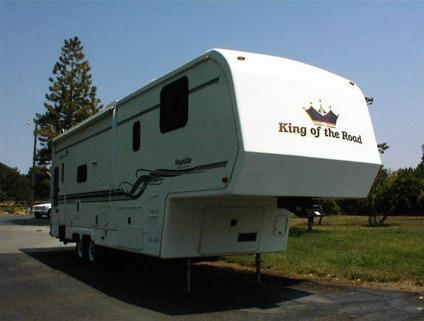 $11,900 2000 King of the Road 5th Wheel 31' (Twin
