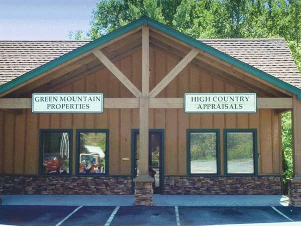 $1100 / 1500ft² - High Traffic Office/Retail Space off