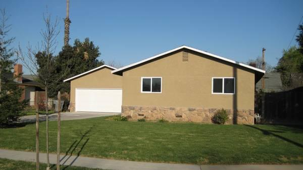 - $1100 / 3br - 1150ft² - Nice 3bd, 2ba, 2car garage **Yard care and Sewage  included in rent **