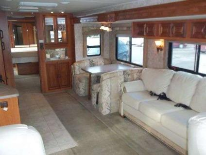 $115,000 2006 Coachmen Sport 380DS Feightliner