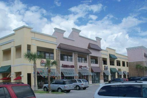 - $12 / 3066ft² - HWY 17-92 NEW Beautiful Office/Retail