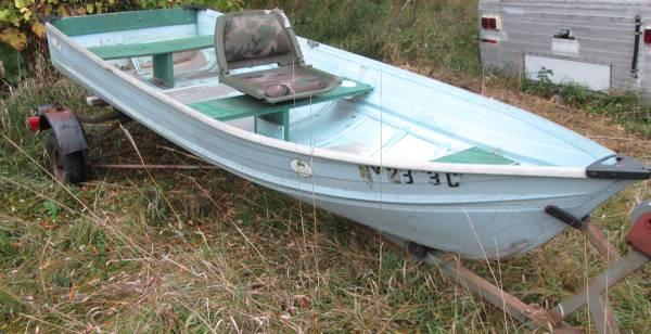 12 foot aluminum fishing boat and trailer for sale in for Best aluminum fishing boat for the money