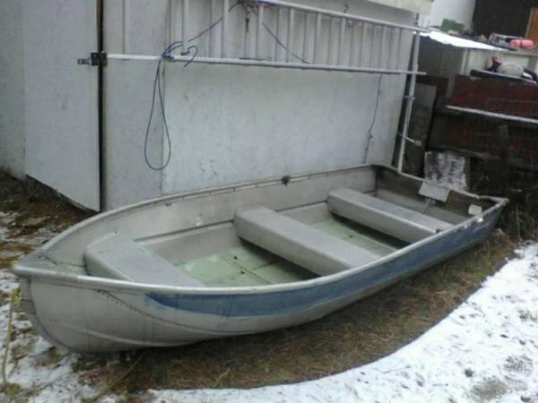 12 ft aluminum fishing boat nice 6hp evinrude and 3 nice for Nice fishing boats