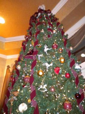 12 FT. TALL DESIGNER ARTIFICIAL CHRISTMAS TREE for Sale in ...