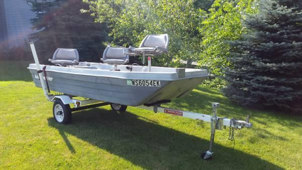 12 39 lil 39 hooker fishing boat w nice trailer seats for Nice fishing boats