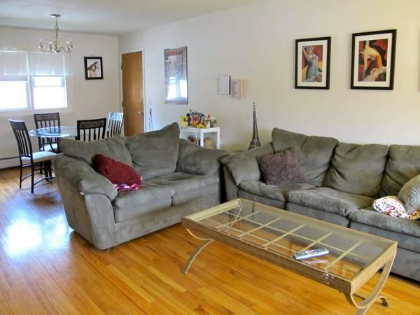 2br Exquisite 2 Bedroom Available 11 6 At Presidential Apartments For Rent In Amherst