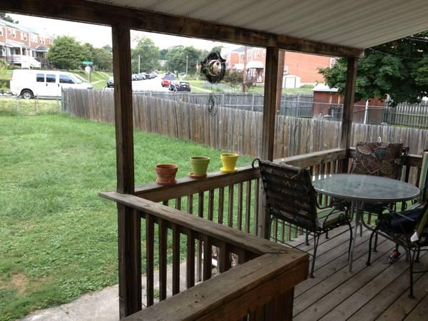 - $1250 / 3br - 1200ft² - GOING, GOING . . . . . .
