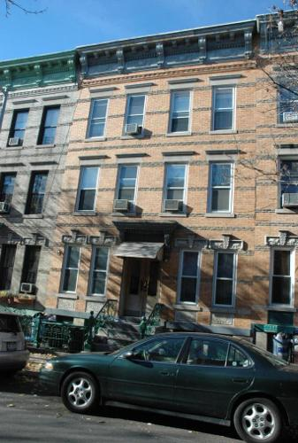 ID#: 1282558, Beautifully Renovated 1st Floor Apartment