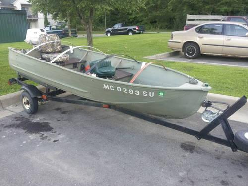 12ft aluminum v bottom fishing boat 10hp johnson motor for for Used aluminum fishing boats for sale in michigan