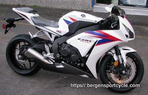 $13,000 HONDA 2012 CBR1000RR Pearl White/Blue/Red