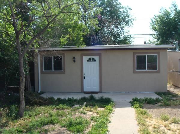 3br 817ft 2 bedroom and 1 bathroom house nice appliances fenced yard for rent in denver One bedroom house for rent denver
