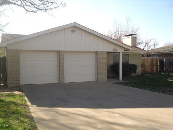 3br 1324ft 178 Ready To Move In 722 W Pine Ave