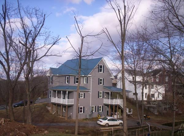 $137200 / 4br - 4-bedroom house with 2 bedroom apt.