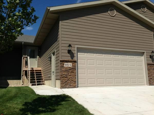 3br 1879ft newer 3 bedroom 2 1 2 bath town home for - 2 bedroom houses for rent in sioux falls sd ...