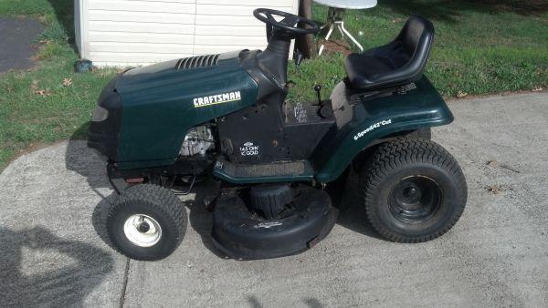 14 5 HP Craftsman Riding Lawnmower - $300 (Scranton)
