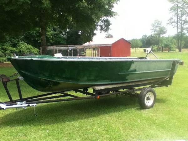 14 foot v-bottom boat - $650